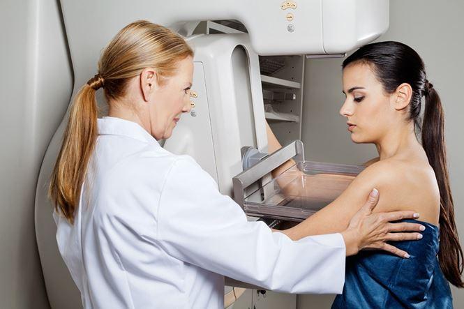 kiểm tra ngực định kỳ