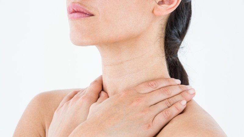 vệ sinh vùng da cổ